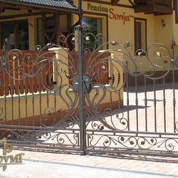 A wrought iron gate with a trace of romance - A special gate