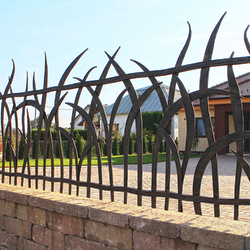 A wrought iron fence inspired by nature - A luxury fence