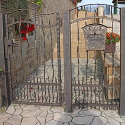 Wrought iron 'Crazy' - A hand forged gate